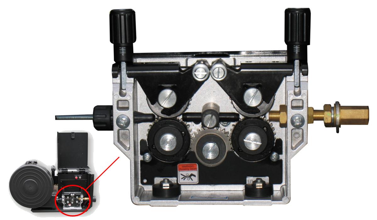 Подающее устройство для полуавтомата